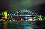 No�n� pohled na Harbour bridge. Sydney. Austr�lie.
