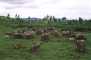 Thong Hai Hin - mystick� Plain of Jars (nalezi�t� �.1). Laos.